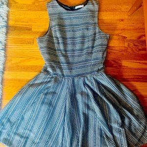 ❤️Easley sleeveless flair dress with zip back